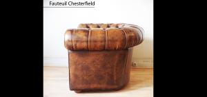 Fauteuil Chesterfield marron patiné
