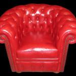 fauteuil Chesterfield en cuir de buffle coloris rouge assise coussin plume