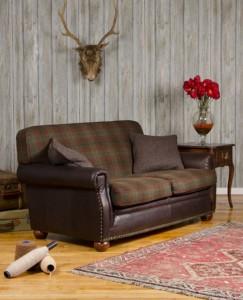 Canapé Montrose en cuir de vachette coloris old bard et tissus 100 % laine coloris forest check