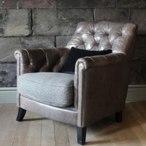 Fauteuil Highgrove en cuir de vachette coloris galveston state et tissus 100 % laine coloris teal