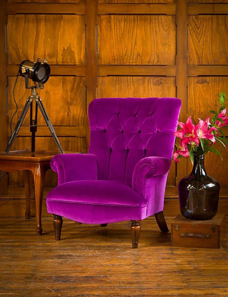 fauteuil regent en tissu de velours coloris modena velvet aubergine longfield 1880. Black Bedroom Furniture Sets. Home Design Ideas