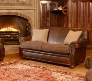 Canapé Stornoway en cuir de vachette coloris chianti et 100 % laine coloris peat