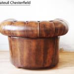 Fauteuil Chesterfield capitonné