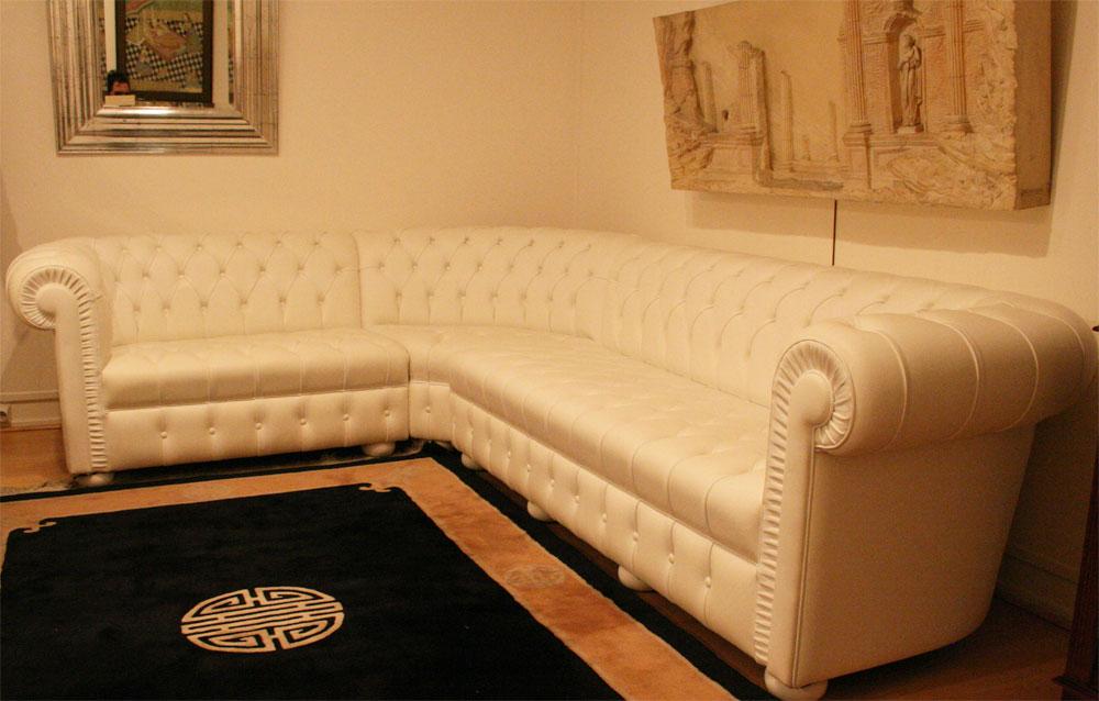 Canapé Chesterfield d'angle en cuir de vachette blanc 4897 €