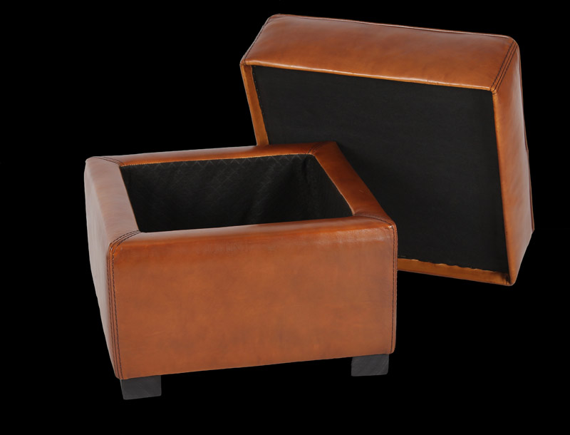 poufs club en cuir de basane longfield 1880. Black Bedroom Furniture Sets. Home Design Ideas