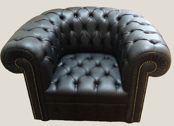 fauteuil chesterfield tout capitonne en cuir de vachette coloris noir longfield 1880. Black Bedroom Furniture Sets. Home Design Ideas