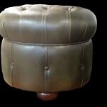 pouf-chesterfield-rond-en-cuir-de-vachette-coloris-vert-bronze-2