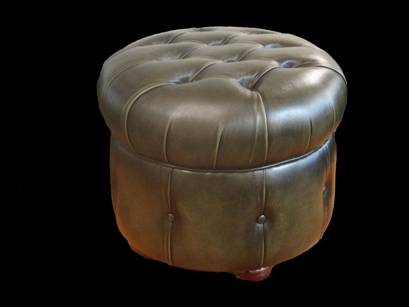 pouf chesterfield rond en cuir de vachette coloris vert bronze patine longfield 1880. Black Bedroom Furniture Sets. Home Design Ideas