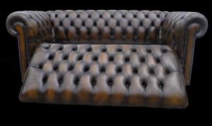 Canapé convertible Chesterfield en cuir de vachette patiné