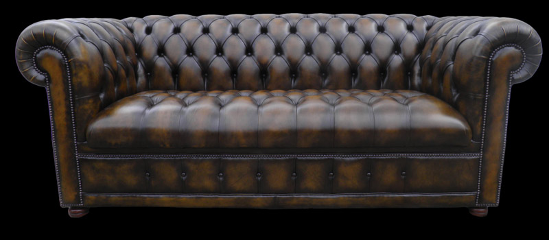 Canapé Chesterfield lit en cuir de vachette coloris marron patiné