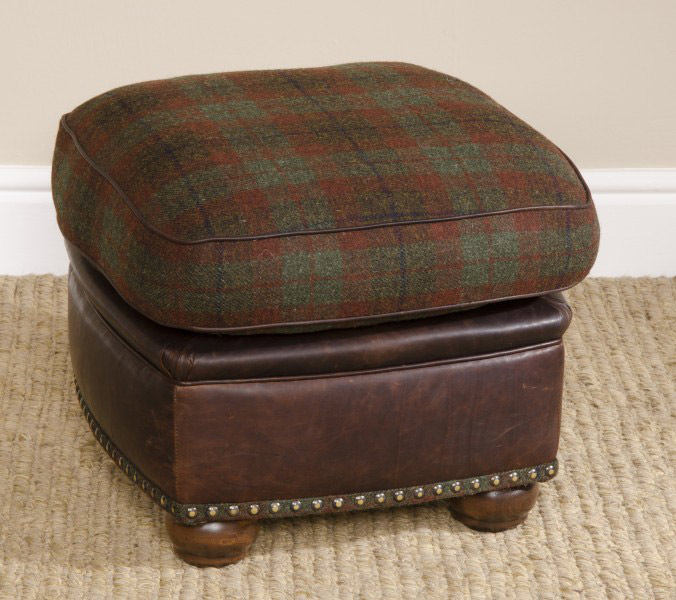 canap anglais montrose en cuir et tissus laine longfield 1880. Black Bedroom Furniture Sets. Home Design Ideas