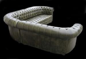 Canapé Chesterfield d'angle vue de dos