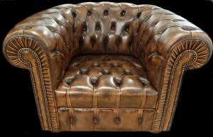 fauteuil-chesterfield-en-cuir-de-vachette-coloris-marron-patine